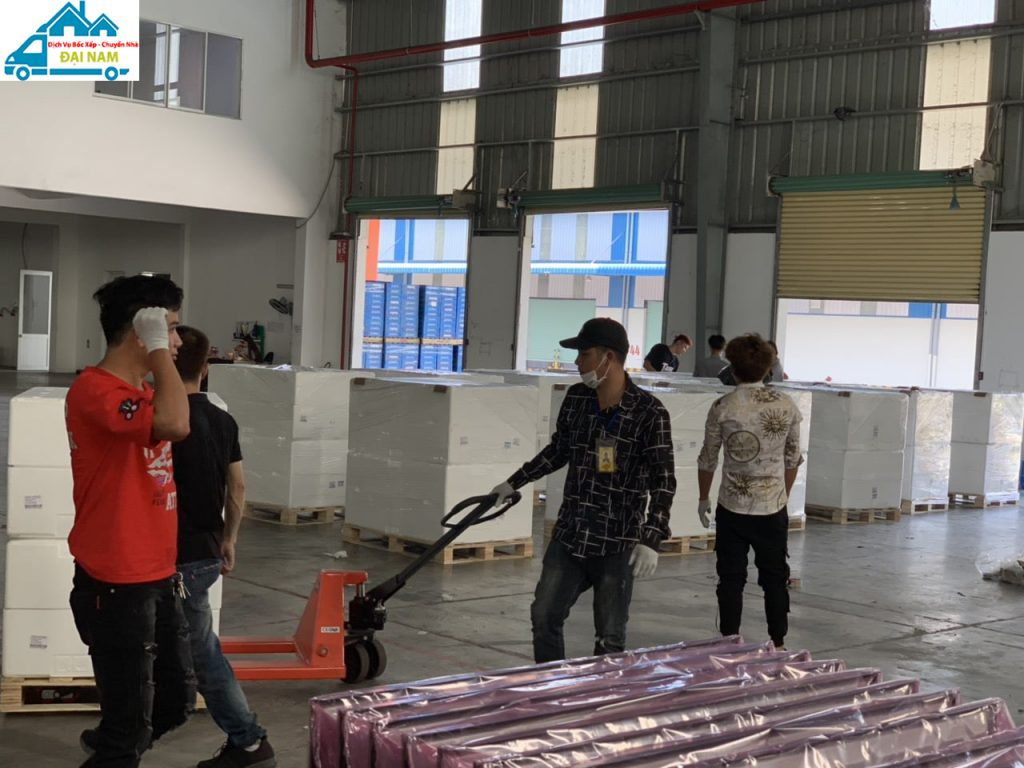 Bốc xếp hàng hóa quận Phú Nhuận chuyên nghiệp, uy tín số 1 tại Tphcm